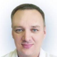 Врач Литвинов Роман Петрович