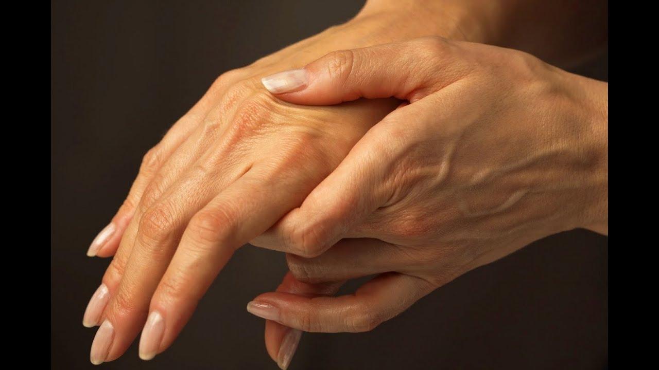 Болезненность в кистях рук