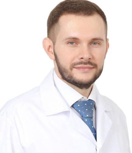 Врач Ревин Павел Викторович