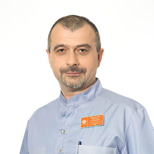Врач Магомедов Максуд Гаджиевич
