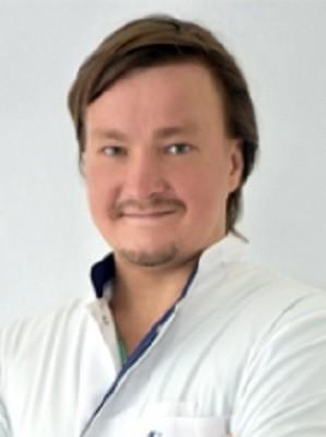 Врач Якубов Дмитрий Маратович