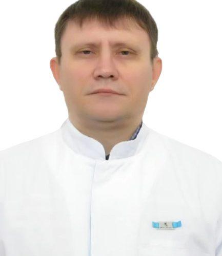 Врач Сысуев Олег Михайлович
