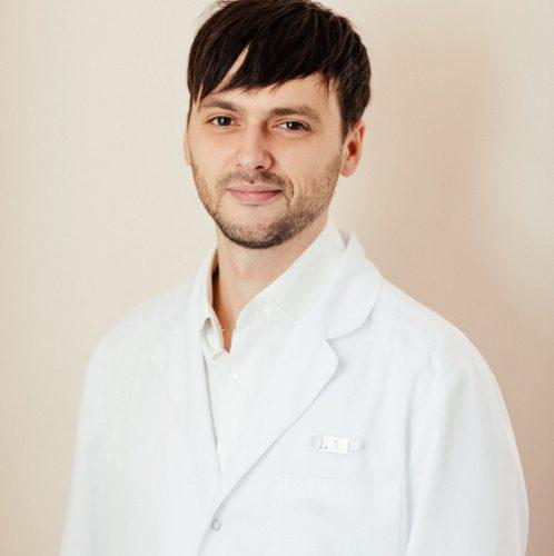 Врач Юхименко Роман Аркадьевич