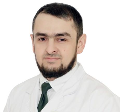Врач Ахмаев Расул Магомедович