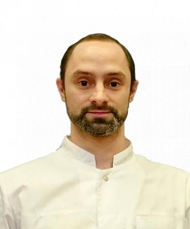 Врач Естремский Игорь Иванович