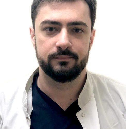 Врач Константинов Илья Изольдович